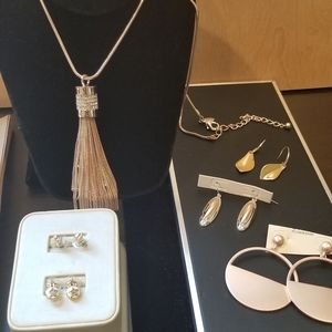 Jewelry - This bundle includes necklace earring and other